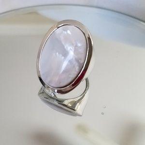 Jewelry - Beautiful fashion ring